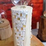 Intarsio a mosaico, bianco carrara e oro